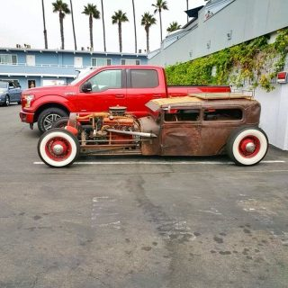 Cool cars, fresh food 🚗  What sweet ride are you driving up to Cappy's? . . . #newport #cappys #instafood #foodstagram #eeeeeats #landscape #breakfast #breakfastfood #discoverunder5k #classic #yelpoc #orangecounty #tryitordiet #foodfeed #cafe #coolcars #cheers #cars