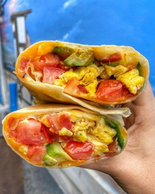 To beach their own 🌯  And to each their own beach burrito.   Are you coming to Cappy's this weekend? We'll see you for breakfast, brunch, or lunch! . . . #burrito #eggs #avocado #salsa #cheese #oc #orangecounty #feedfeed #yelpoc #costamesa #huntington #newport #newportbeach #breakfast #friday #goodmorning