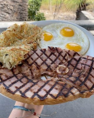 Steak for breakfast? Ham steak 😋  16 ounces of thick, freshly grilled ham with your choice of side - that's a hearty breakfast 🔥  #orangecounty #california #foodfeed #feastagram #forkyeah #nomnom #foodporn #socal #delicious #feedme #foodheaven #buzzfeed #hypefeast #instafood #foodfeed #tryitordiet #foodfeed #cheatmeal #foodhunting #munchies #cheatday #chowtime #foodiegrams
